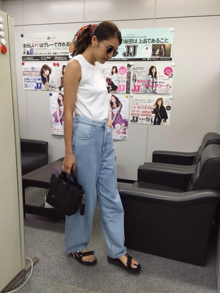 JJ モデル 有末麻祐子 私服