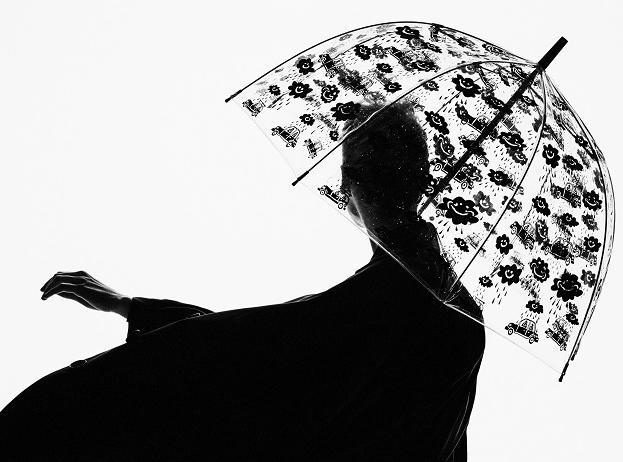 エリザベス女王 傘 フルトン