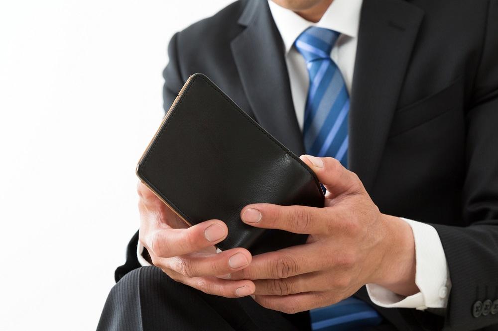 (1)プレゼントの王道!ブランドものの「財布」