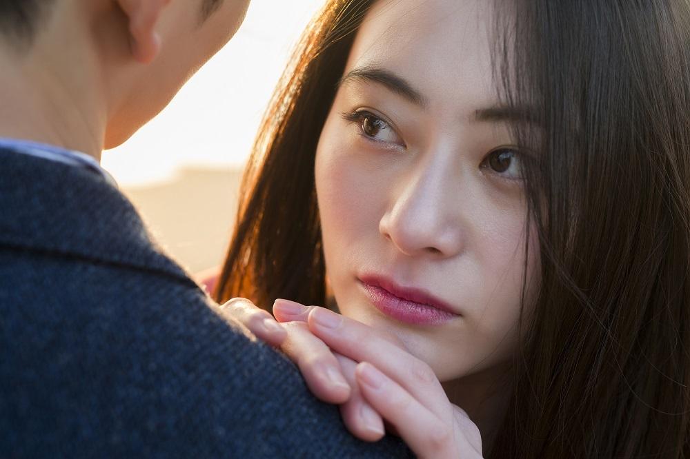 (3)女性からのキスに思わずドキドキ!「ほっぺにキス」