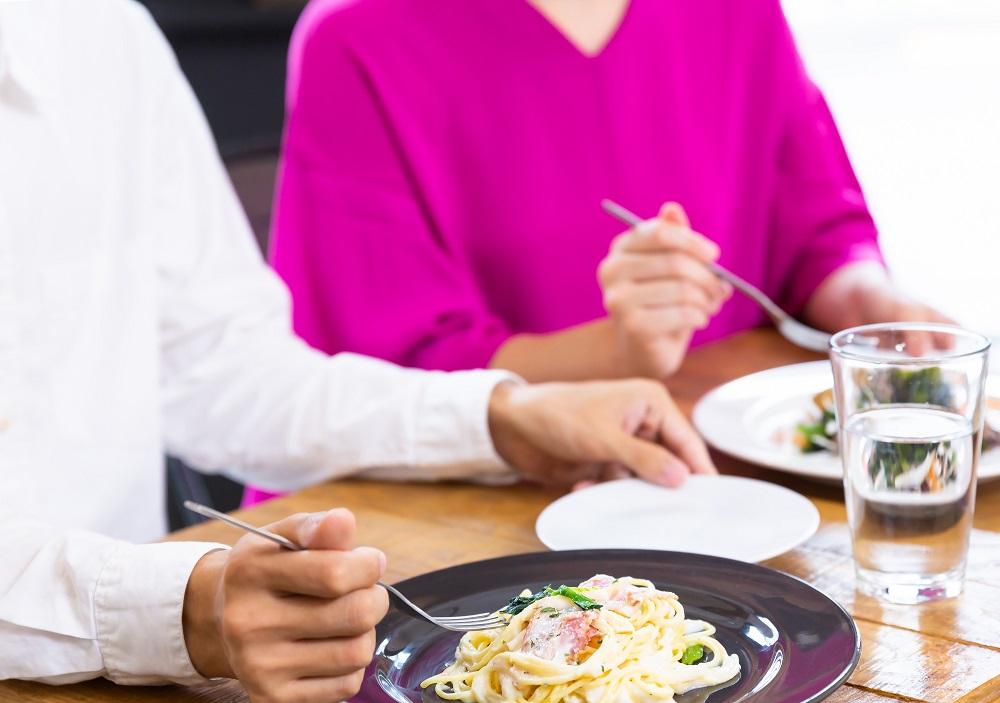 (4)パスタの食べ方が汚すぎ!