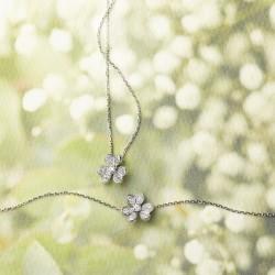 トキメキがとまらない♥憧れのヴァン クリーフ&アーペルのお花ジュエリーが可愛すぎる