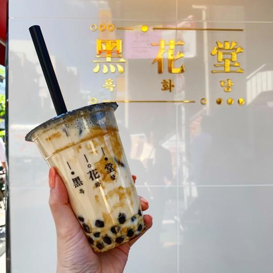 韓国より上陸!新大久保で行列必至の黒糖タピオカミルクティーが超美味しい!