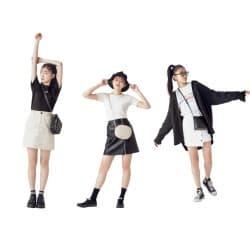 ジメジメした雨の日でもOK♡モノトーンのミニスカコーデ6選!