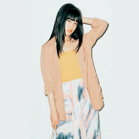 柄スカートを投入すれば、周りとカブらないベージュコーデに【韓国ECで買ったものだけで1カ月着回し】