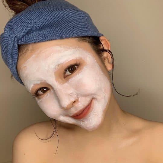 朝は2度洗顔に洗粉まで! すっぴん美人の朝ルーティンがすごすぎた