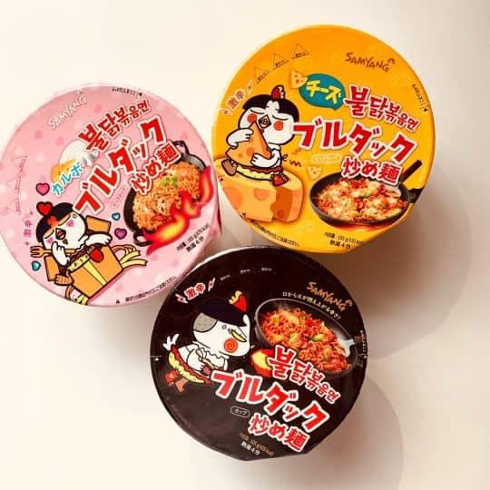YouTubeで話題! 韓国の激辛麺「ブルダッグ」シリーズを食べたら胃が燃えた…