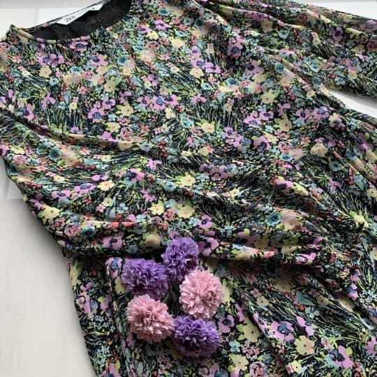 完売確実!ZARA2990円花柄ワンピが今から秋まで使えて優秀過ぎる件