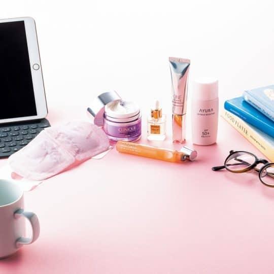 スマホを使いすぎて肌が老化⁉美容のプロが絶賛する「オンラインで美人に見える」肌コスメ6選