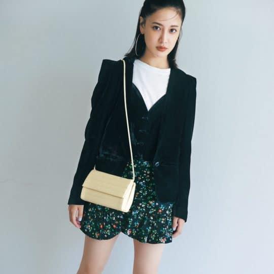 秋コーデを格上げするZARAのファッション小物5選♡