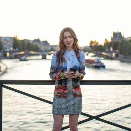 SNS上手にもなれちゃう⁉ Netflix最新作「エミリー、パリへ行く」にオシャレ女子が沸いている件
