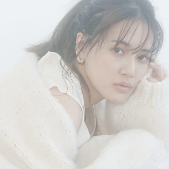 【E-girls藤井夏恋が着る】肌を出すよりドキッとするホワイトコーデ3選