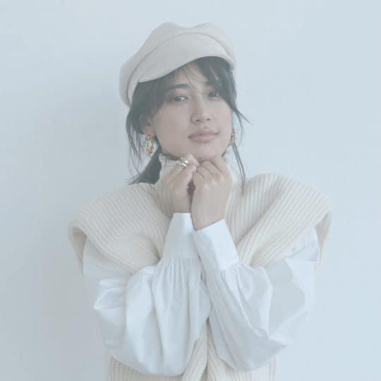 【E-girls 藤井夏恋が着る】カジュアルもモードも着るだけで雰囲気が出るホワイトコーデ4選